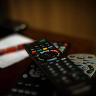 TV AND GAMES ROOM