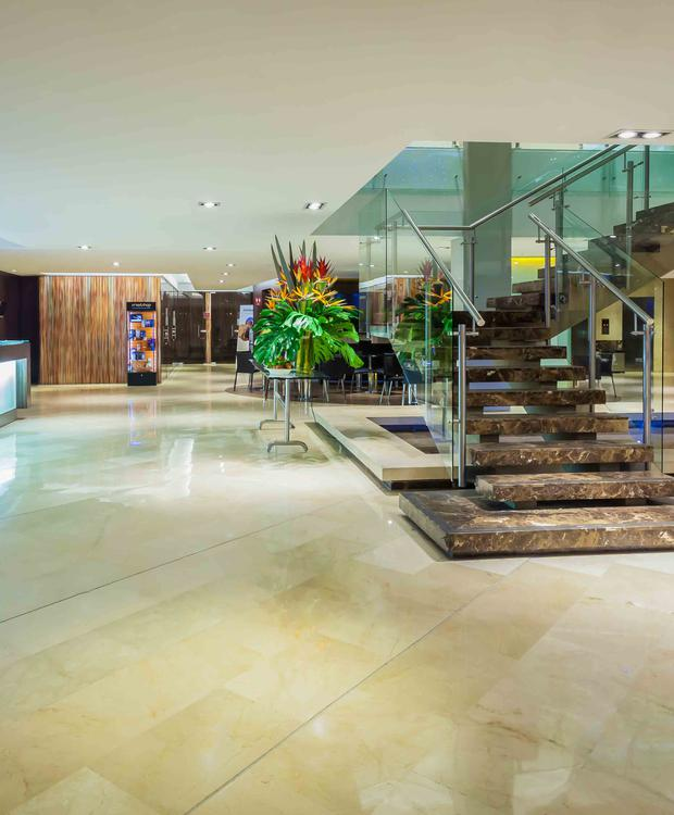 Lobby Four Points by Sheraton Cali Hotel Four Points By Sheraton Cali Cali