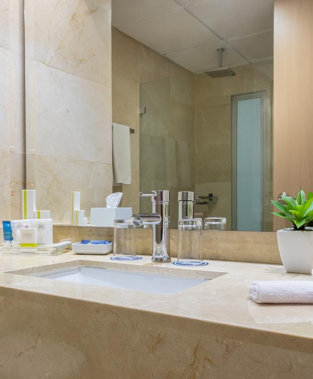 Bathrooms Hotel Four Points By Sheraton Barranquilla Barranquilla