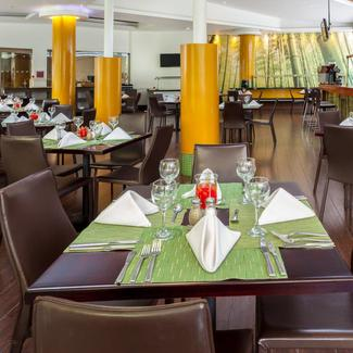 RESTAURANT Four Points By Sheraton Medellín Hotel Medellín