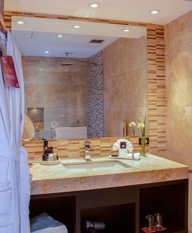 Bathroom Sheraton Quito Hotel Quito