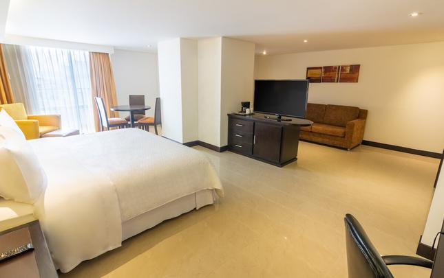 JUNIOR SUITE Hotel Four Points By Sheraton Cali Cali