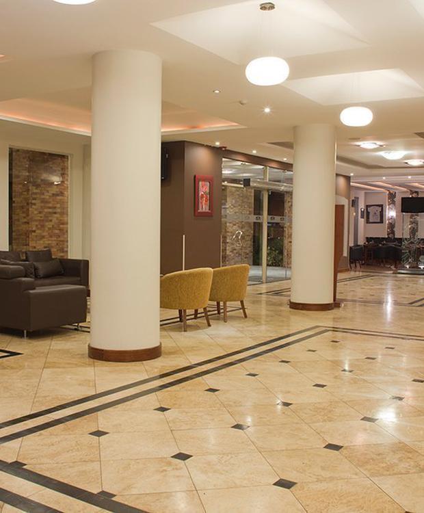 Lobby Howard Johnson Loja Hotel Hotel Loja