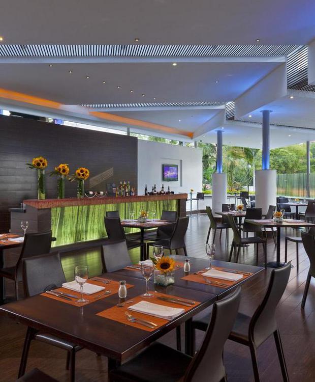 Cooks Restaurant Four Points By Sheraton Medellín Hotel Medellín