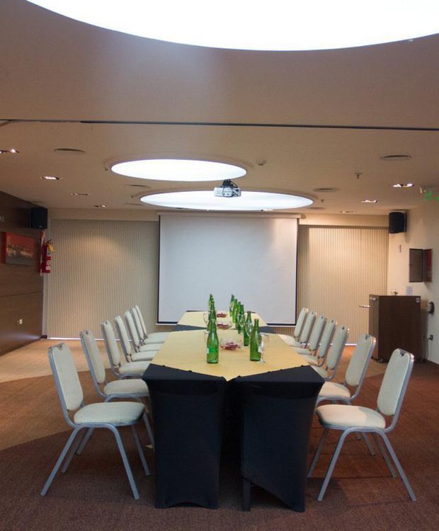 Meeting Room Howard Johnson Hotel & Suites Córdoba