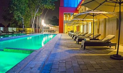 Swimming pool hotel radisson guayaquil