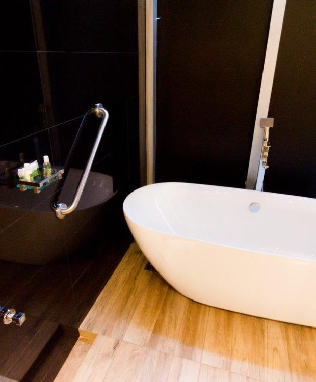 Baño Habitación Master King Bioxury Hotel Bogotá