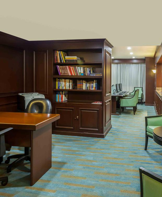 Business Center Four Points by Sheraton Cali Hotel Four Points By Sheraton Cali Cali