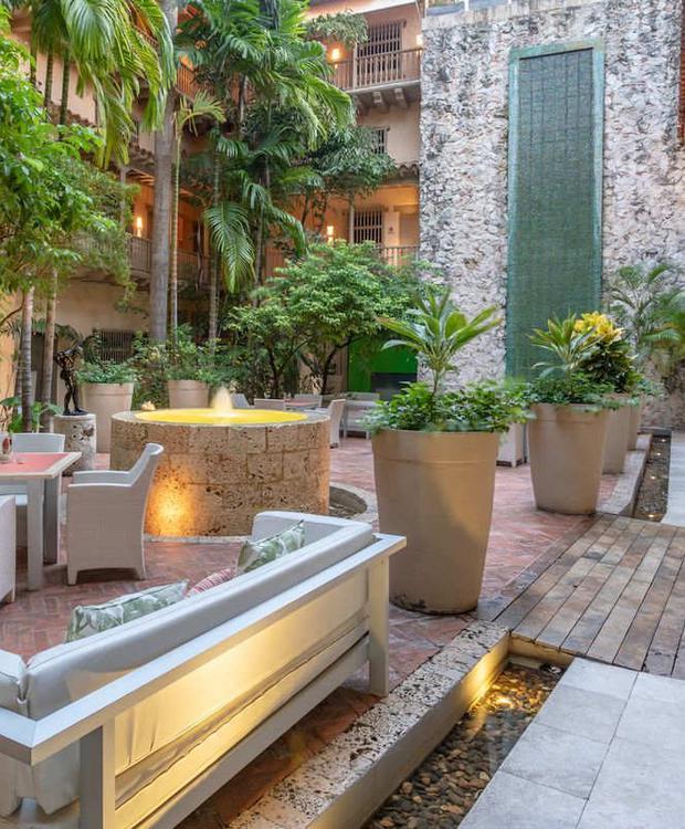 Patio GHL Collection Armería Real Hotel Cartagena de Indias