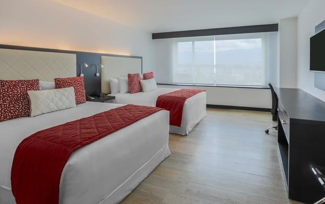 MOUNTAIN VIEW KING SUITE Hotel Four Points by Sheraton Cuenca Cuenca