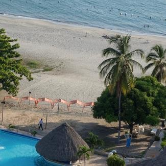 <strong>DIRECT BEACH ACCESS </strong> GHL Relax Costa Azul Hotel Santa Marta