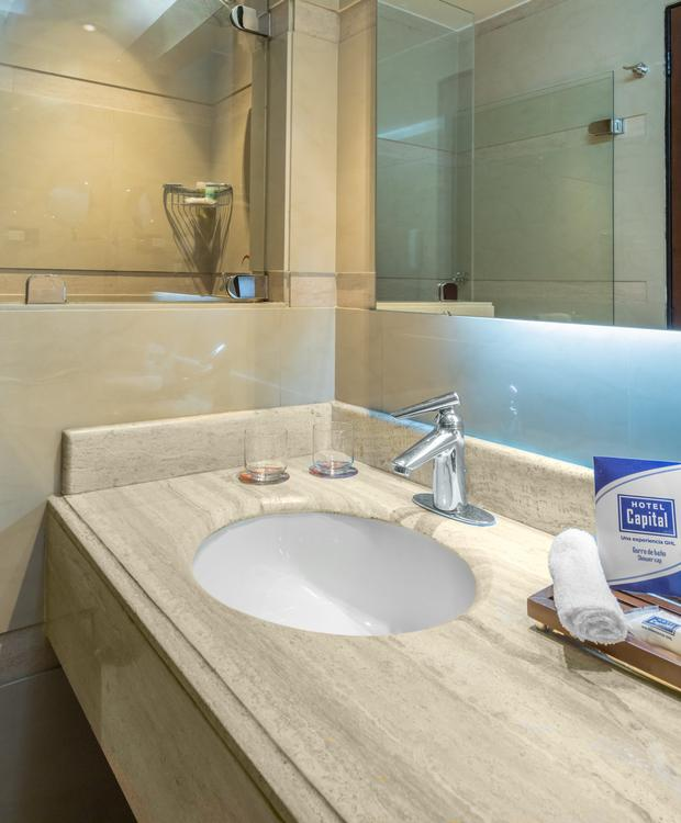 GHL Hotel Capital Baths GHL Capital Hotel Bogotá
