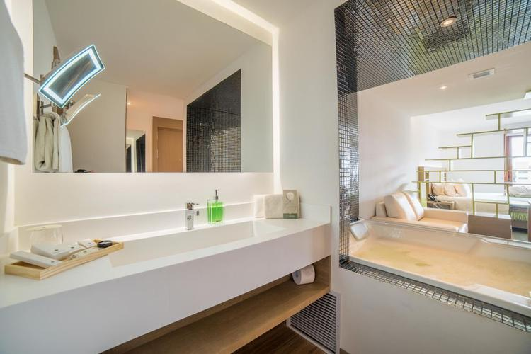 Junior suite with jacuzzi biohotel organic suites bogota