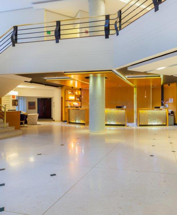 Recepción y Lobby Four Points By Sheraton Medellín Hotel Medellín