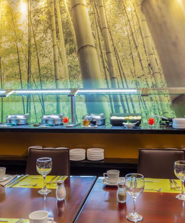 Buffet restaurant Four Points By Sheraton Medellín Hotel Medellín